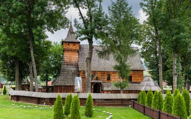 Erzengel-Michael-Kirche in Dębno; Polen