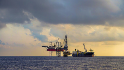 Offshore drilling rig and FPSO ship photography