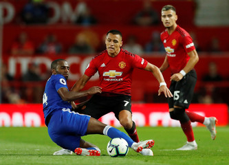 Premier League - Manchester United v Leicester City