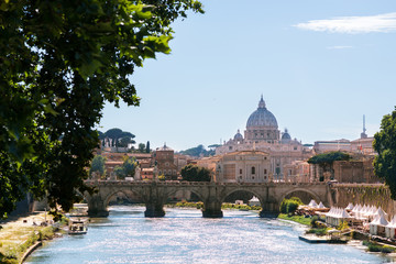 Foto op Canvas Vestingwerk St. Peter's Cathedral, Vatican, Rome, Italy. Bridge over Tiber, wide angle view.