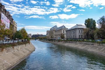 Fluss durch Bucharest - Rumänien Hauptstadt - Osteuropa