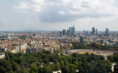 Milano skyline in agosto