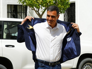 Spain's Prime Minister Pedro Sanchez arrives to meet with German Chancellor Angela Merkel before a lunch as part of her informal two-day visit in Sanlucar de Barrameda
