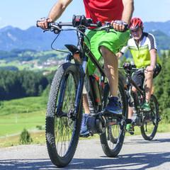 Radtour im Gebirge mit elektrischer Hilfe