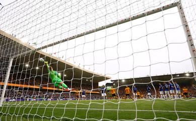 Premier League - Wolverhampton Wanderers v Everton