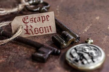 escape room (fond rouille, une étiquette)