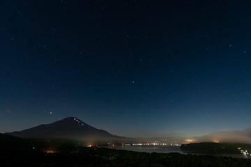 山開きの富士山