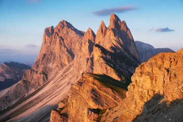 Fototapeten Gebirge High mountains in the Dolomite alps, Italy. Beautiful natural landscape at the summer time. Mountains and sky during sunset.