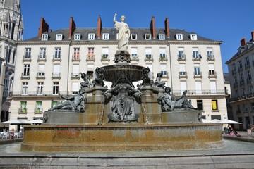 Aluminium Prints Fontaine Nantes - Fontaine Place Royale