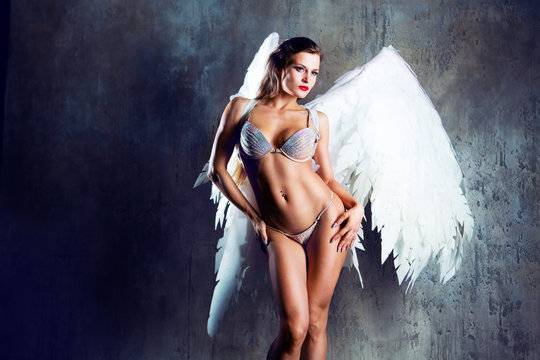 model  with angel wings