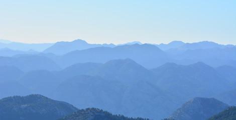 Sıra Dağların Zirveleri