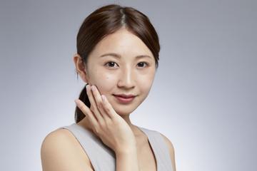 女性の美容ケアイメージ
