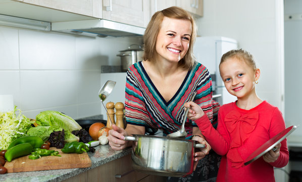 girl and mom with pot