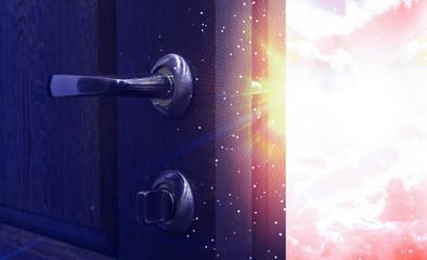 Fotomurales - Open wooden door, magic