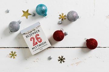 Kalenderblatt mit 26. Dezember 2018, 2. Weihnachtsfeiertag auf Holzuntergrund