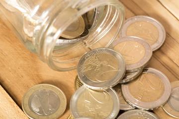 Euro Münzen in einem EInmachglas