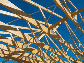 Dachkonstruktion mit Holzbalken