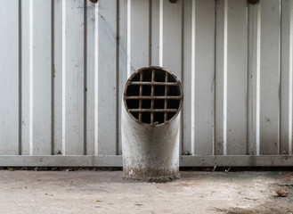 Ventilation pipe with welded grate