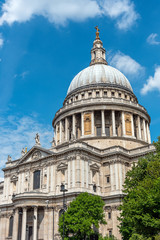 The imposing St. Pauls Cathedral in London on a sunny day
