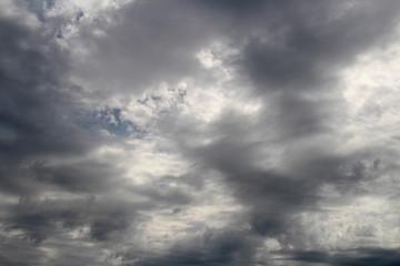 空, 雲, 雲, 嵐, 青, 自然, 暗い, 乗り切る, 曇った, 劇の, 雨, 雰囲気, 天国, 光, 夕焼け, 日, 嵐の, サマータイム, 白, 太陽, どんよりした, 太陽光, 美しい, 旋律の美しい