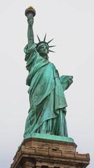 Statue de la Liberté avec brouillard