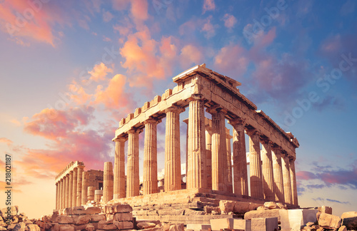 Fototapete Parthenon on the Acropolis in Athens, Greece, on a sunset