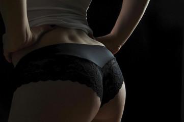 frau sexy weiblich popo po bottom hintern in dessous bodypart