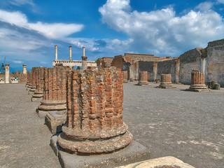 In den Ruinen von Pompeji am Golf von Neapel unter dem Vesuv, einer der berühmtesten Ausgrabungsstätten in Italien