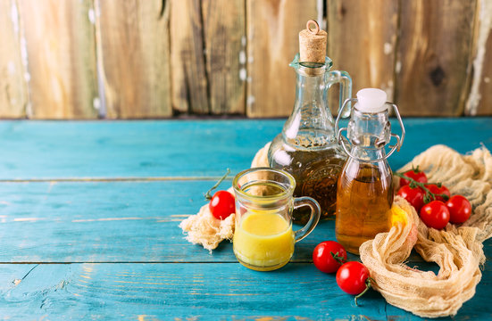 Homemade sauces and salad dressings