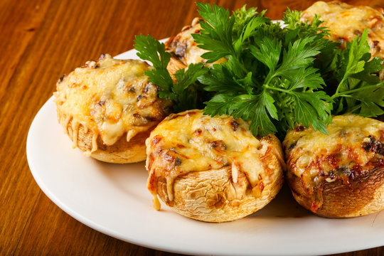 Stuffed champignon with cheese