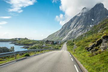 Strasse auf den Lofoten, Norwegen