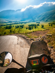 Fototapete - Traveling on the motorbike