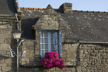 Vecchie finestre in Bretagne, France