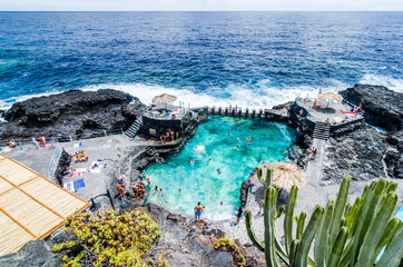Fotobehang Canarische Eilanden Natural pool of Charco Azul in La Palma, Canary islands, Spain,
