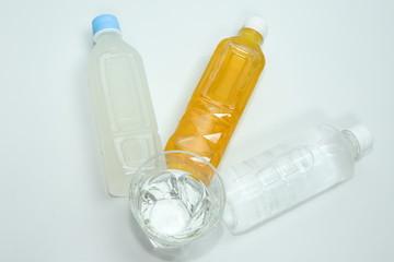 水とペットボトル