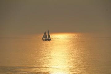 Le soleil se lève sur la Méditerranée