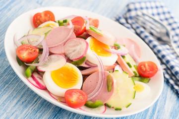 Wurstsalat mit Ei und Gmüse