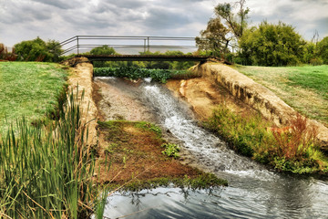 HD Nature Stream Bridge and Cloud Picture