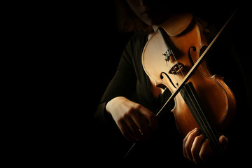 In de dag Muziek Violin player. Violinist hands playing violin
