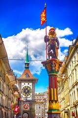 Zähringerbrunnen und Zytglogge in der Altstadt von Bern, Schweiz