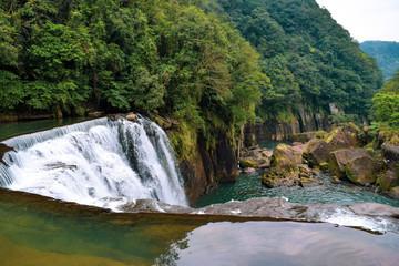 台湾 十分瀑布