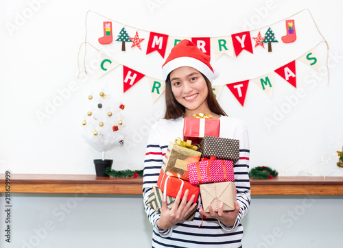 Unwrapping christmas gifts 2019 for girls