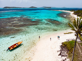 Fototapete - Top view of Tobago cays
