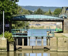 écluse de Pont-de-Vaux (Ain)
