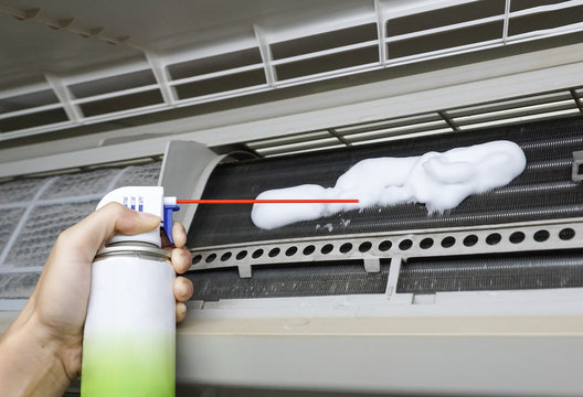 Using air conditioner foaming coil cleaner