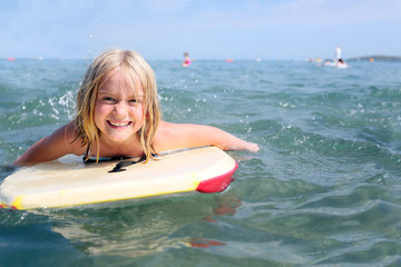 girl bodyboarding