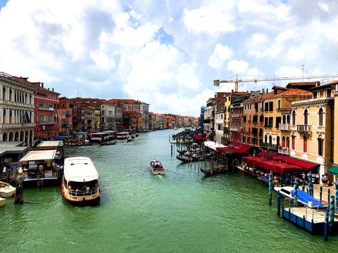 ベネチア リアルト橋からの風景