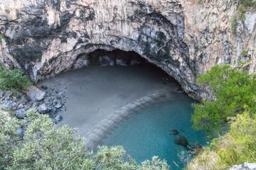 Spiaggia dell'Arcomagno con grotta San Nicola Arcella  (Cosenza)