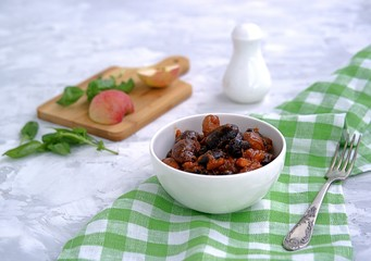 Black and white beans, stewed with apples and smoked paprika.