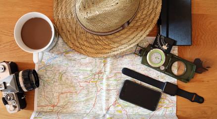 Weltreise mit Karte und Kamera